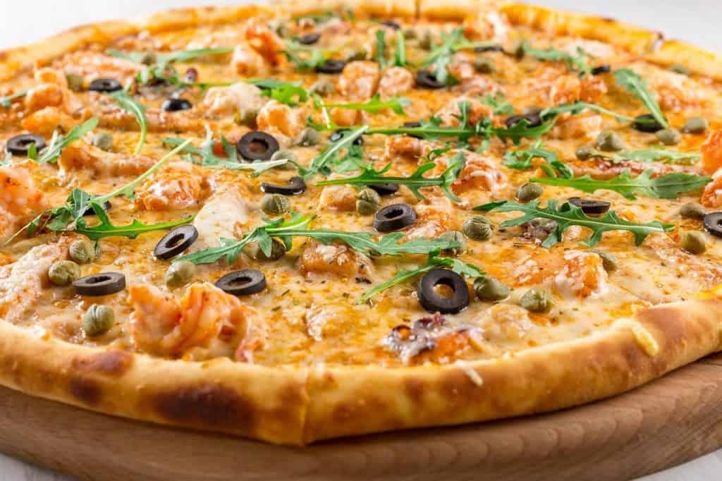 פיצה עם זיתים